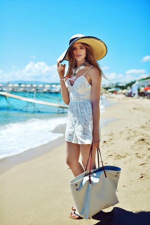 Stylish at the Beach-GirlBelieve